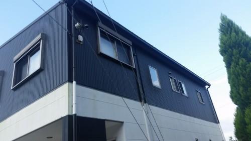 築10年の金属サイディングの家